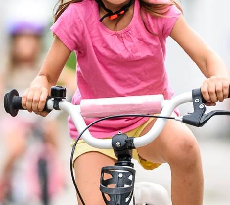 child cycling learning